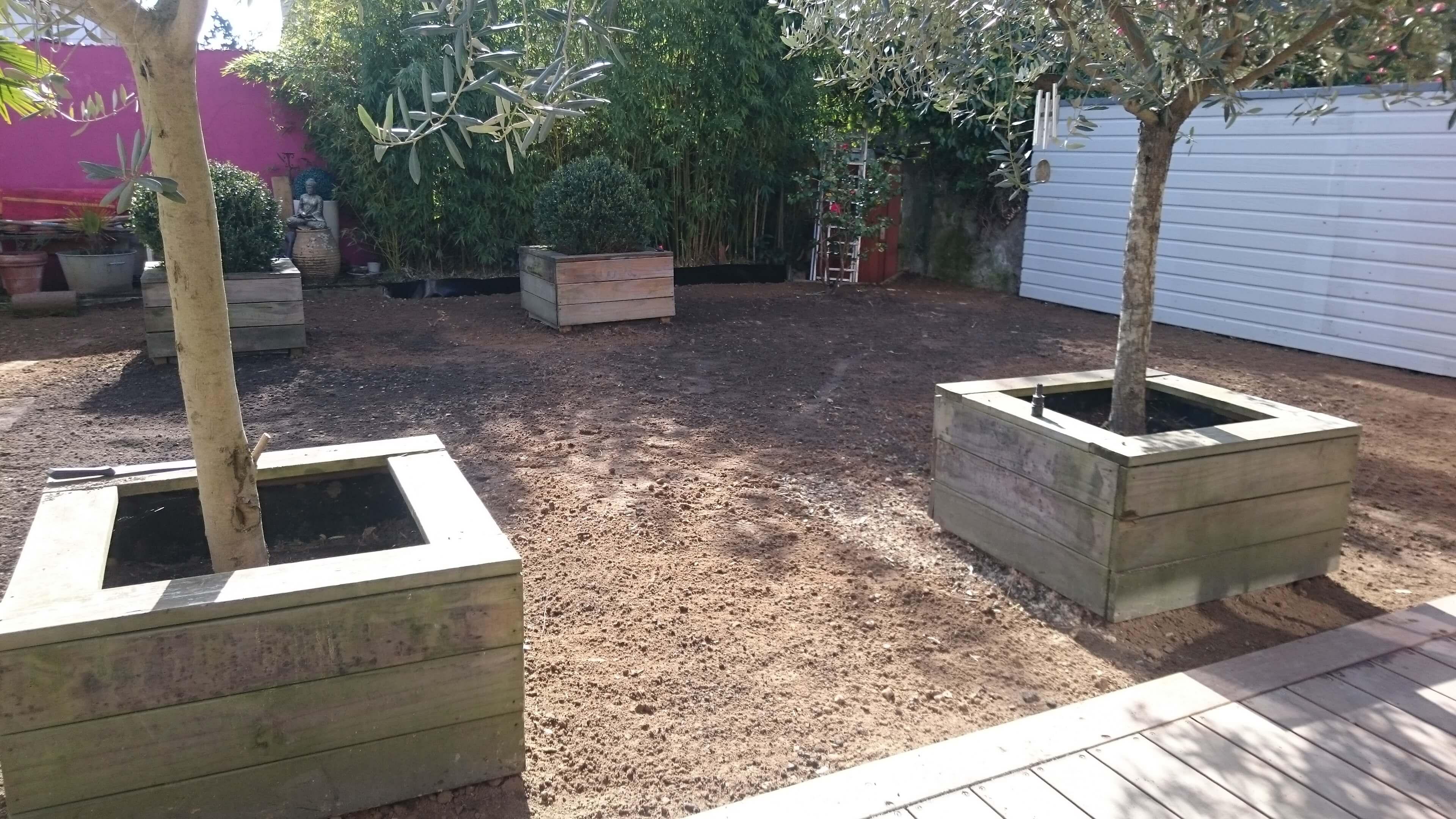 Ar 39 paysage gazon de placage nantes 44 for Entretien jardin nantes