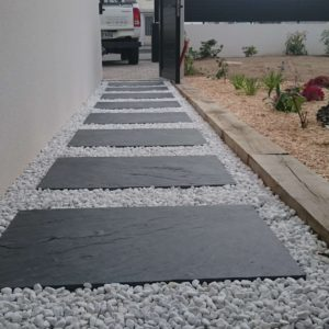 AR' Paysage création entretien de jardin aménagement paysager allée minérale pas japonais paysagiste Nantes (44)